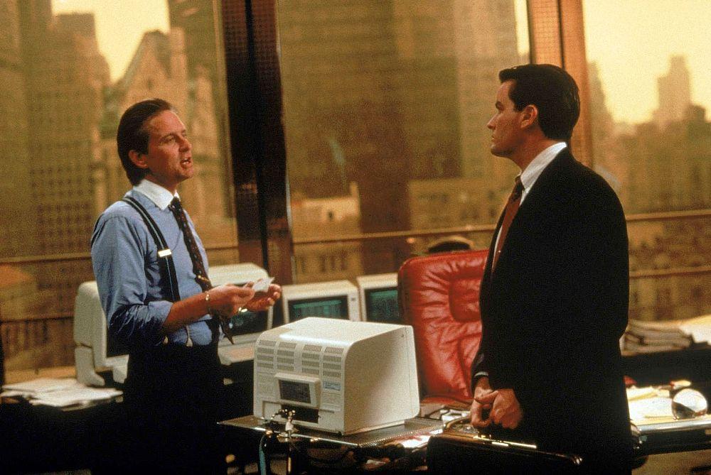 spotyka się z facetem z Wall Street