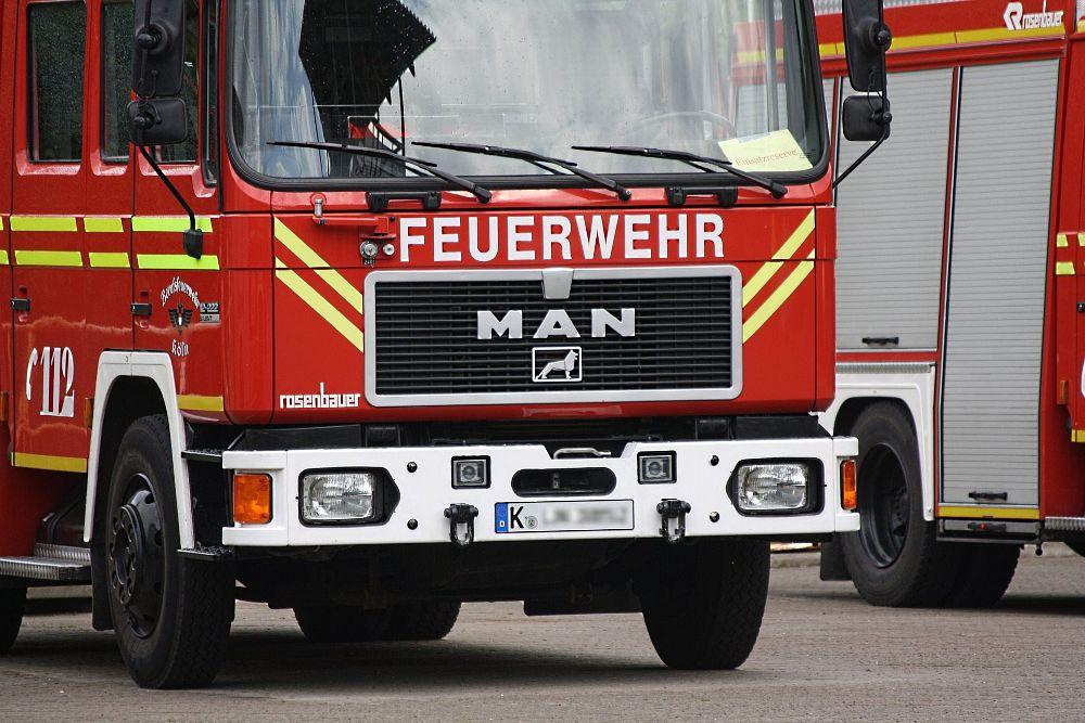 spotyka się z córką strażaka